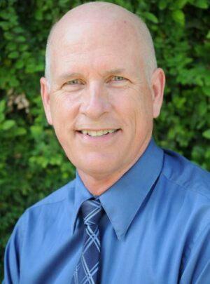 Prof. Titular Bruce Johnson